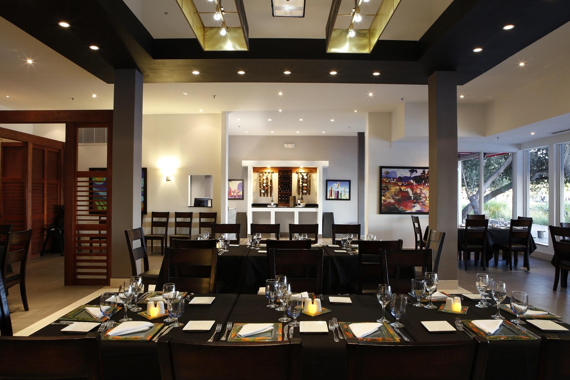 Riverside Grill & BBQ Restaurant - www.ClubMedAcademies.com